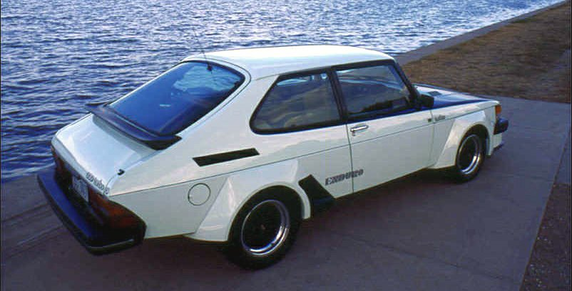 Saab 900 Enduro - Steroid Poppin' Swede
